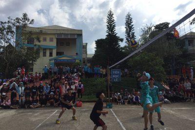 Sôi nổi vòng loại giải bóng chuyền trường THPT NTT chào mừng ngày NGVN