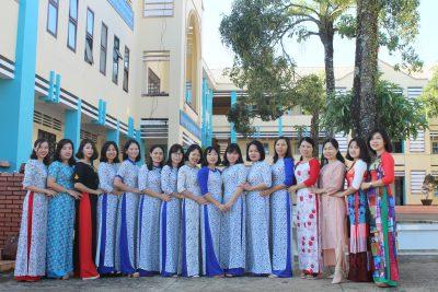 Trường THPT Nguyễn Tất Thành hưởng ứng tuần lễ áo dài Việt Nam